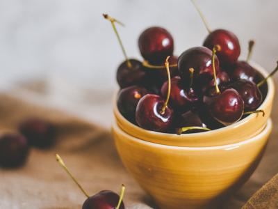 Ako odkôstkovať čerešne na kvas a koľko cukru do kvasu