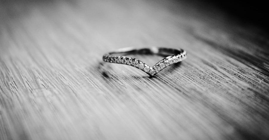 Ako čistiť strieborné povrchy a šperky?